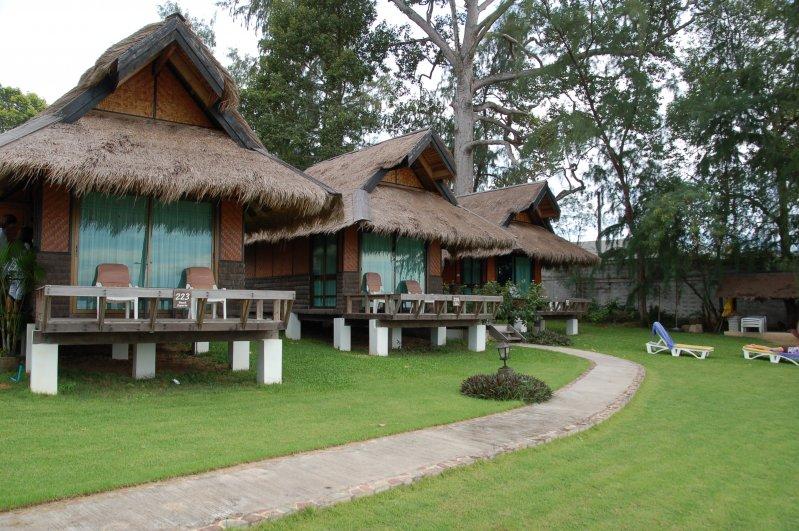 Hotel Sunset Village Beach Resort Pattaya Thailand Prices And Booking
